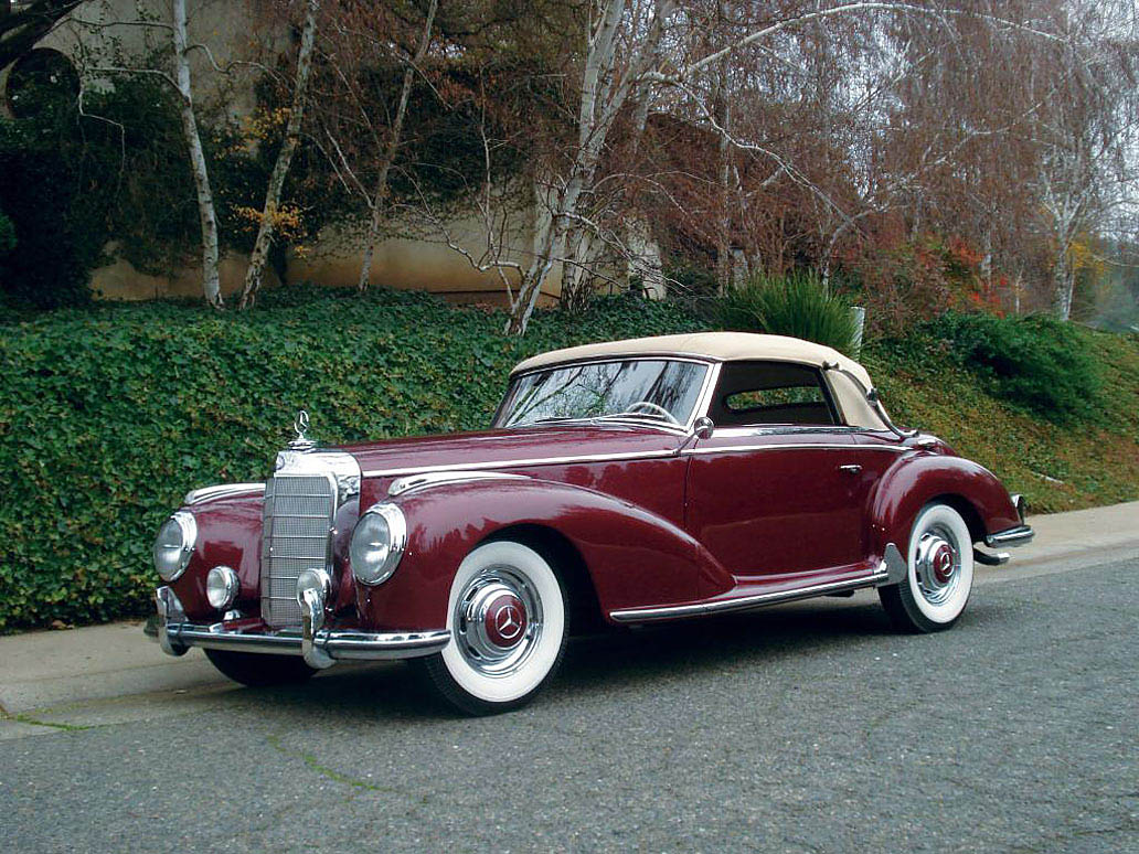 Old Mercedes Benz Luxury Coupe